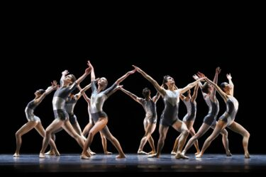 Junior Company – Unboxing ballet